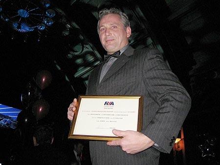 Gino Passchier met de RYA award