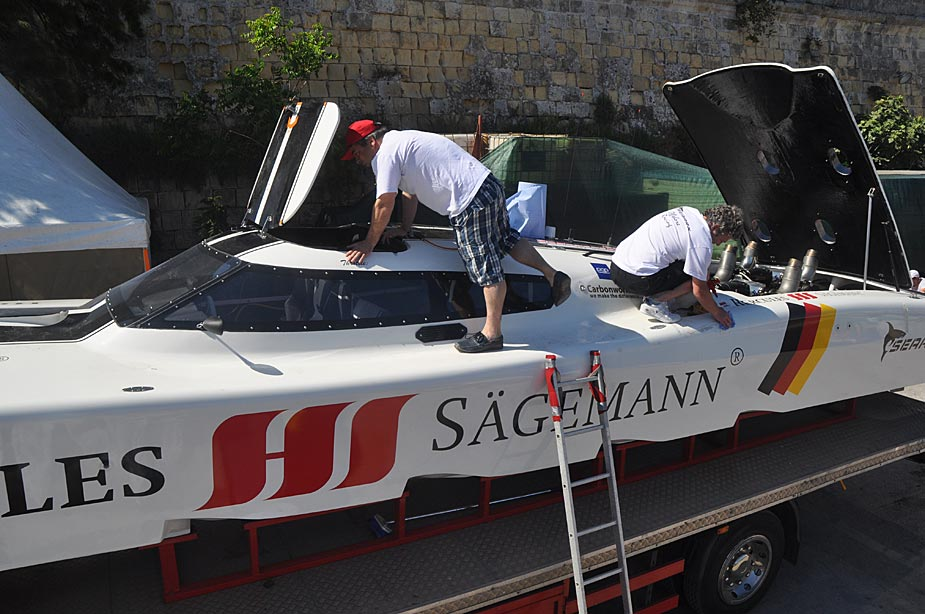 The Searex team is preparing their powerboat for the testrun on Friday, Sliema, Malta 2011